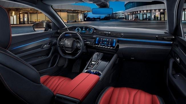 Peugeot 508 L 2021 - interior