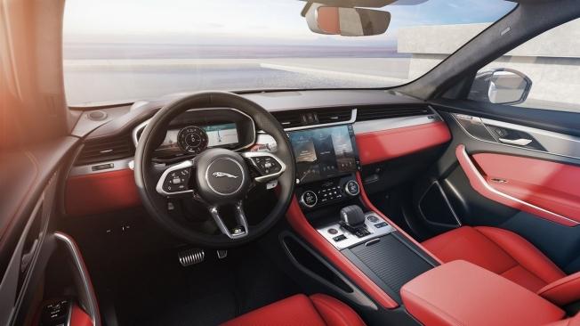 Jaguar F-Pace 2021 - interior