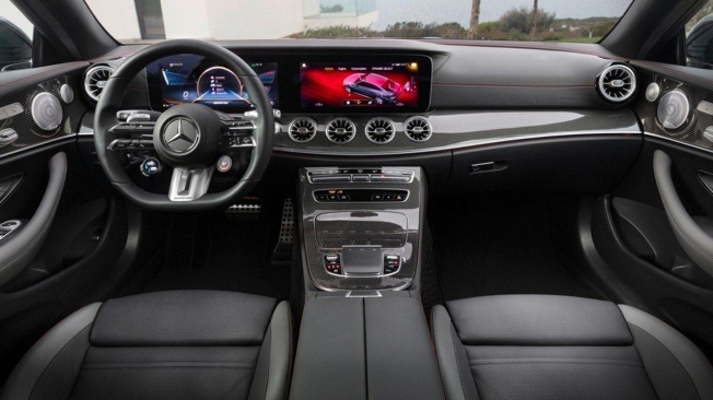 Mercedes Clase E Coupé 2021 - interior