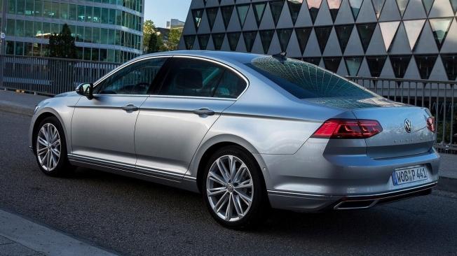 Volkswagen Passat - posterior