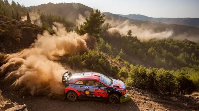 Sébastien Ogier asalta el liderato del Rally de Turquía con su Toyota