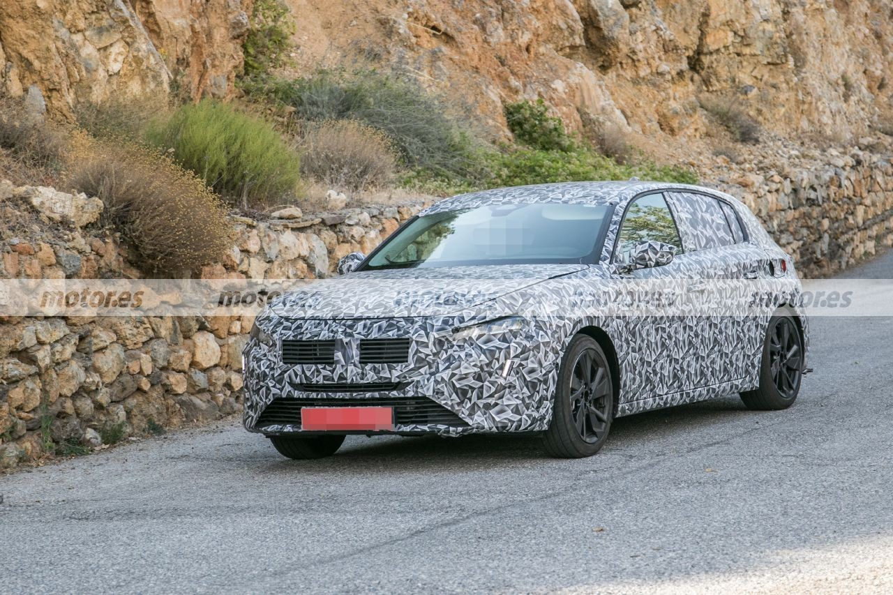 El nuevo Peugeot 308 2021 comienza a perder camuflaje, atención a estas fotos espía
