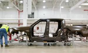 Rivian Automotive comienza el ensamblaje de unidades de preproducción del R1T