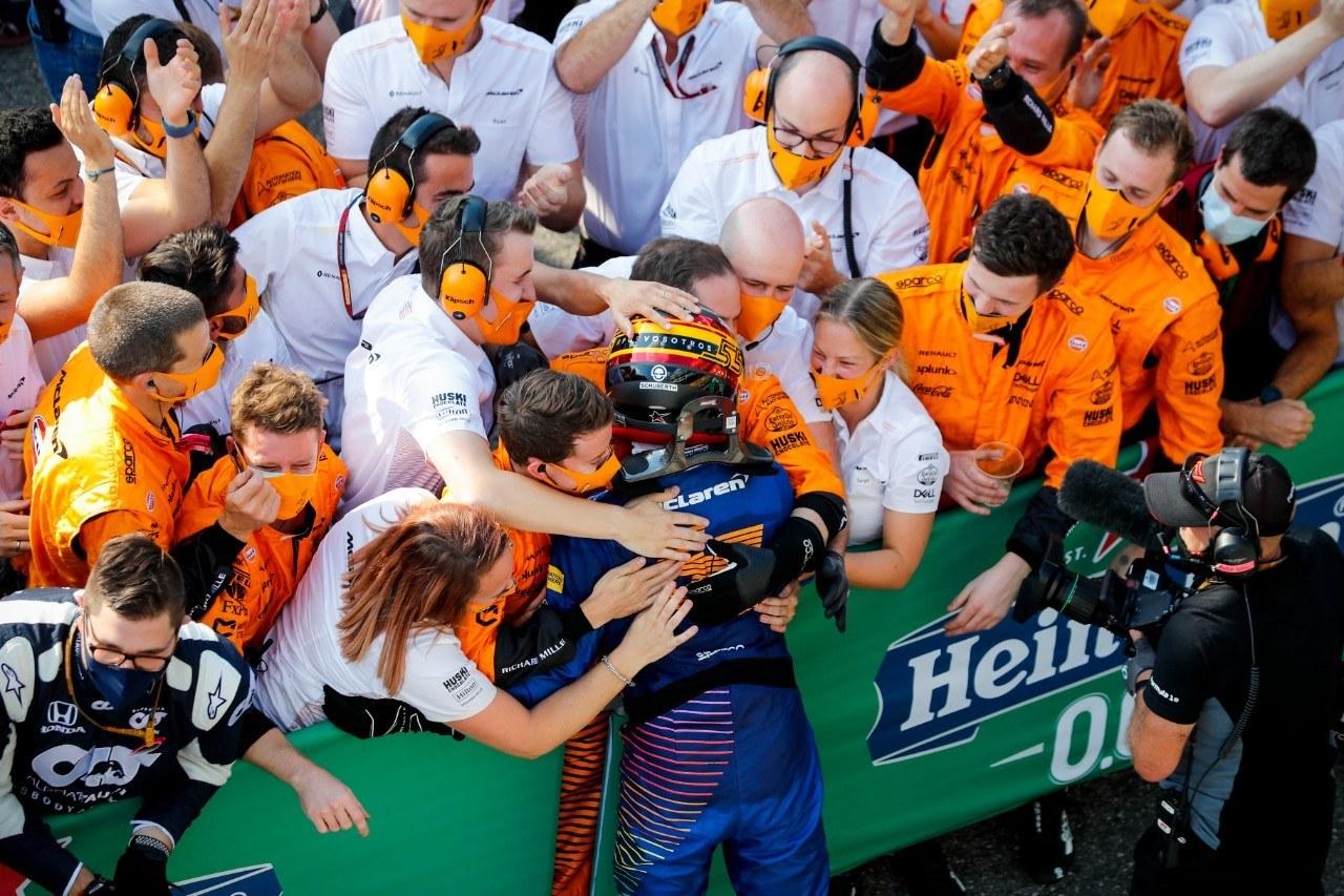 Sainz acaricia su primera victoria en F1: «Sólo una vuelta más...»