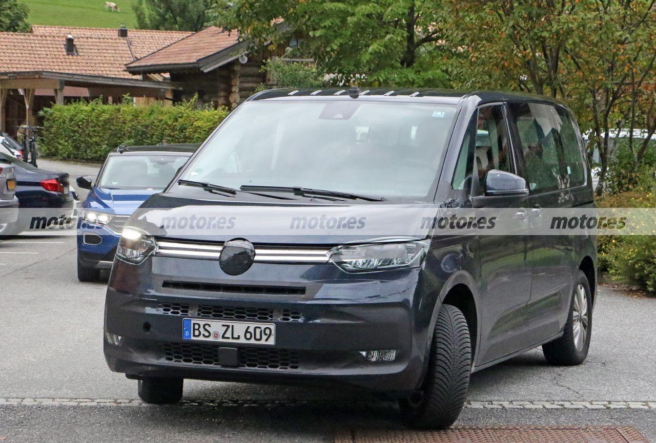 El Volkswagen T7 Multivan 2021, al detalle en unas nuevas fotos espía con su interior