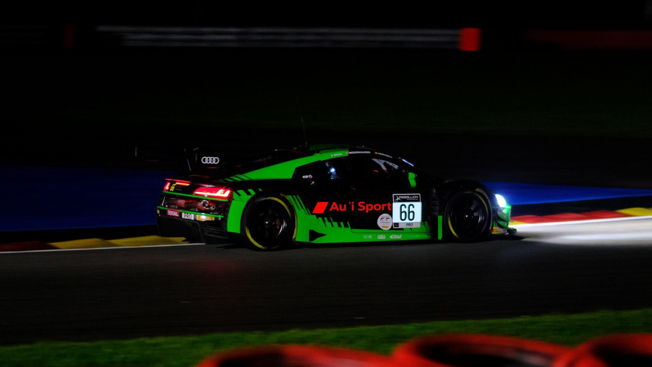 El Audi #66 lidera un inicio de las 24 Horas de Spa lleno de incidentes