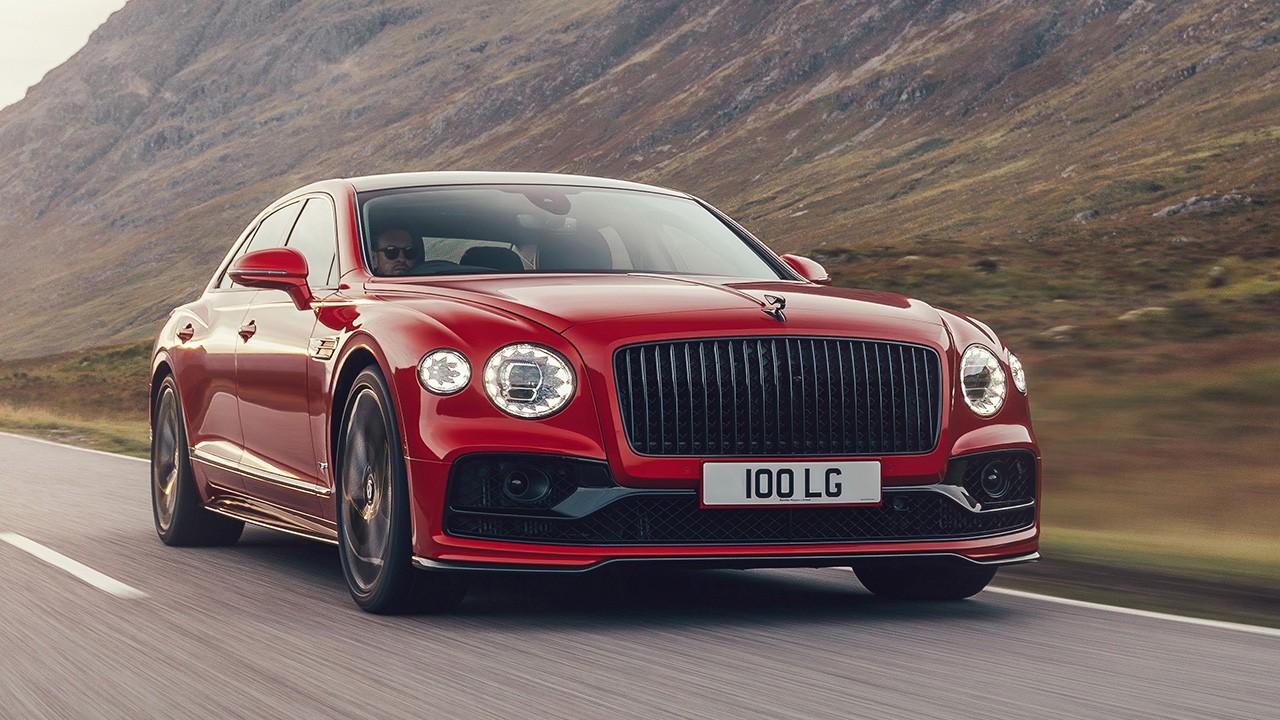 Bentley Flying Spur V8 2021, más ligero y con un motor que alcanza los 550 CV