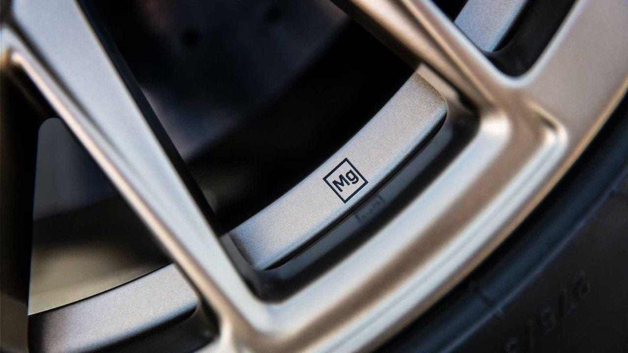 Cadillac desvela las exclusivas llantas de magnesio que montarán los CT4 y CT5 Blackwing