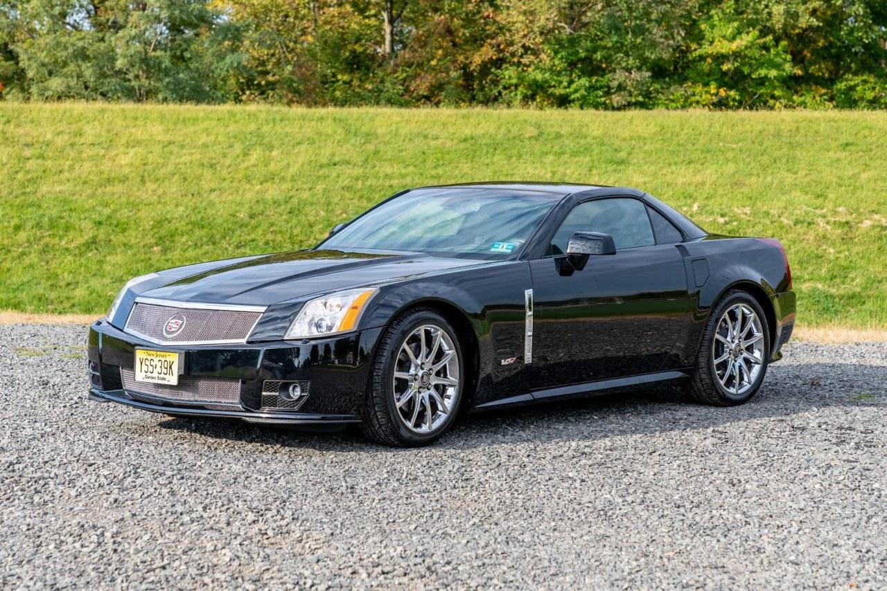 Aparece a la venta un Cadillac XLR-V prácticamente a estrenar