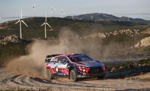 Dani Sordo contiene a Neuville y Ogier en el Rally de Italia-Cerdeña