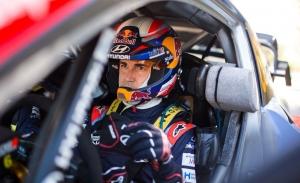 Dani Sordo, con paso firme hacia el triunfo en el Rally de Italia-Cerdeña