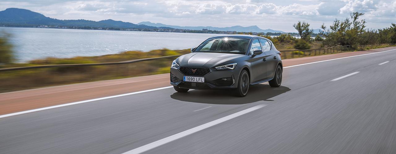 Prueba CUPRA León e-Hybrid 2021, el compacto deportivo enseña los colmillos