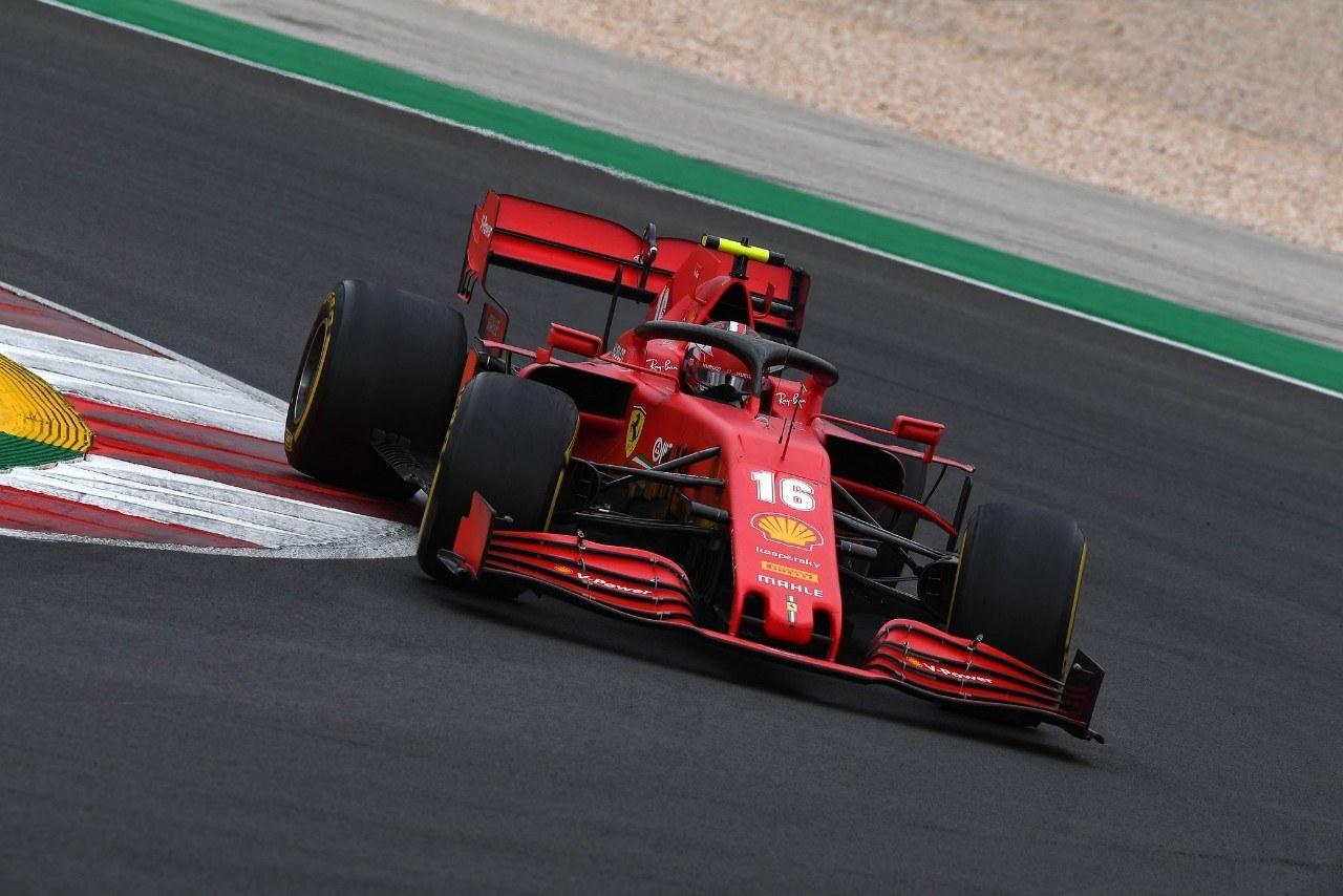 Ferrari sale del hoyo con Leclerc: «La mejor carrera de 2020»