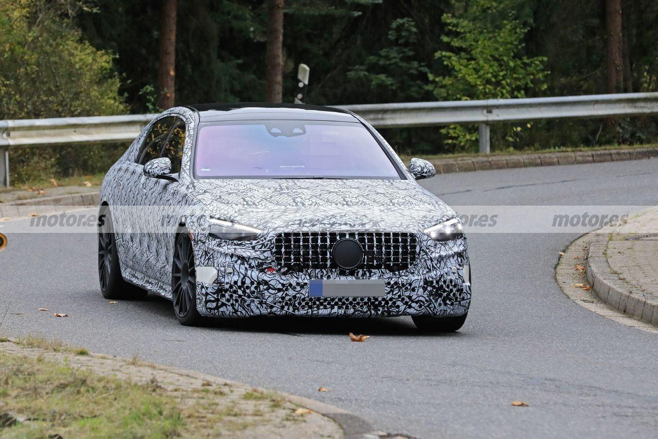 Fotos espía del nuevo Mercedes-AMG S 63 e 2022, la berlina deportiva híbrida enchufable