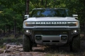 The prototype of the GMC Hummer EV pick-up in detail in its first videos