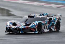 Nuevas imágenes del misterioso hypercar de Bugatti en circuito