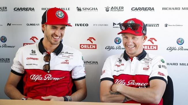 Antonio Giovinazzi y Kimi Raikkonen
