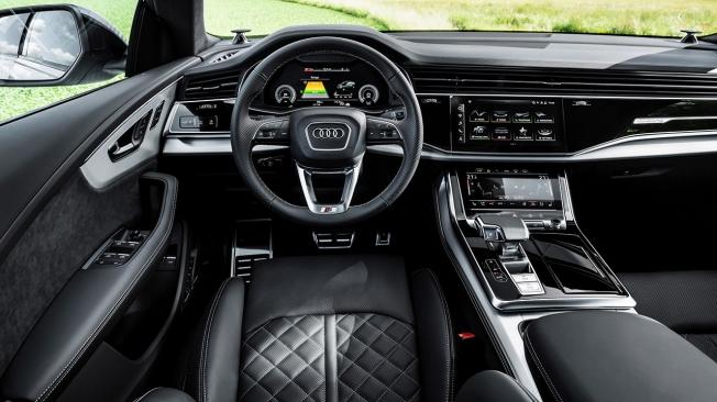 Audi Q8 TFSI e quattro - interior