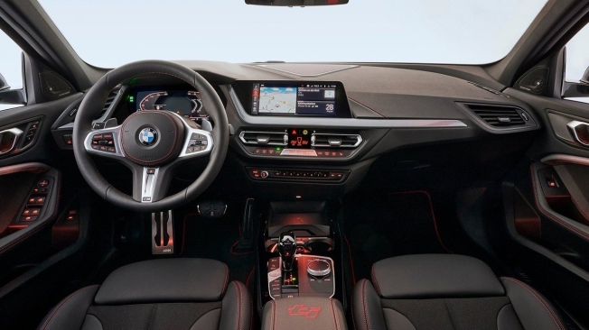 BMW 128ti - interior