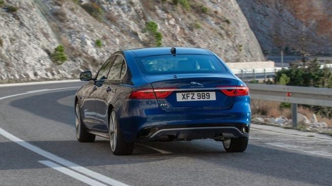 Jaguar XF 2021 - posterior