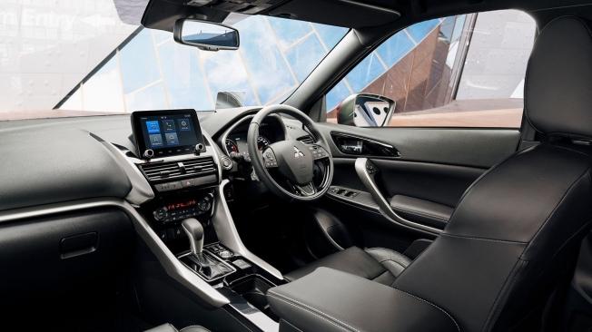 Mitsubishi Eclipse Cross 2021 - interior
