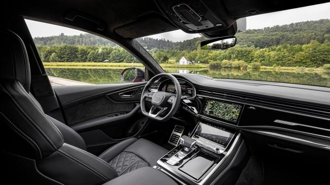 Audi SQ8 TFSI - interior