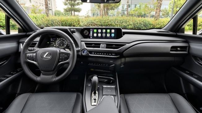 Lexus UX 300e - interior