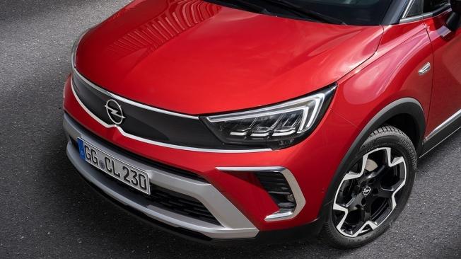 Opel Crossland 2021 - frontal