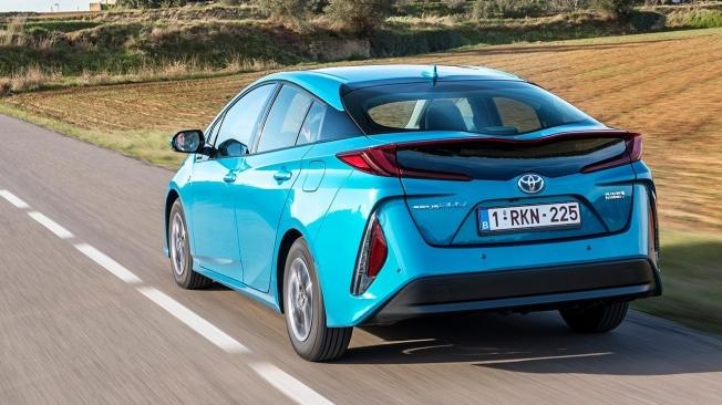 Toyota Prius Plug-in 2021 - posterior