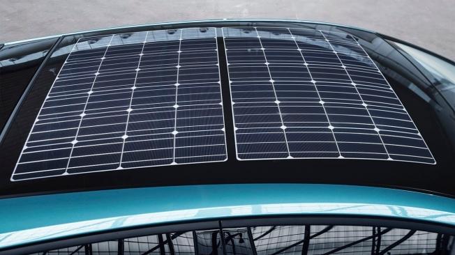 Toyota Prius Plug-in 2021 - paneles solares