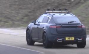 El nuevo Porsche Macan Eléctrico, cazado en dos vídeos espía muy secretos