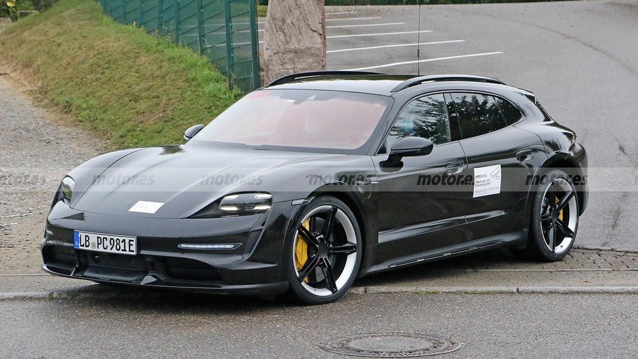 El esperado Porsche Taycan Cross Turismo se destapa en estas fotos espía