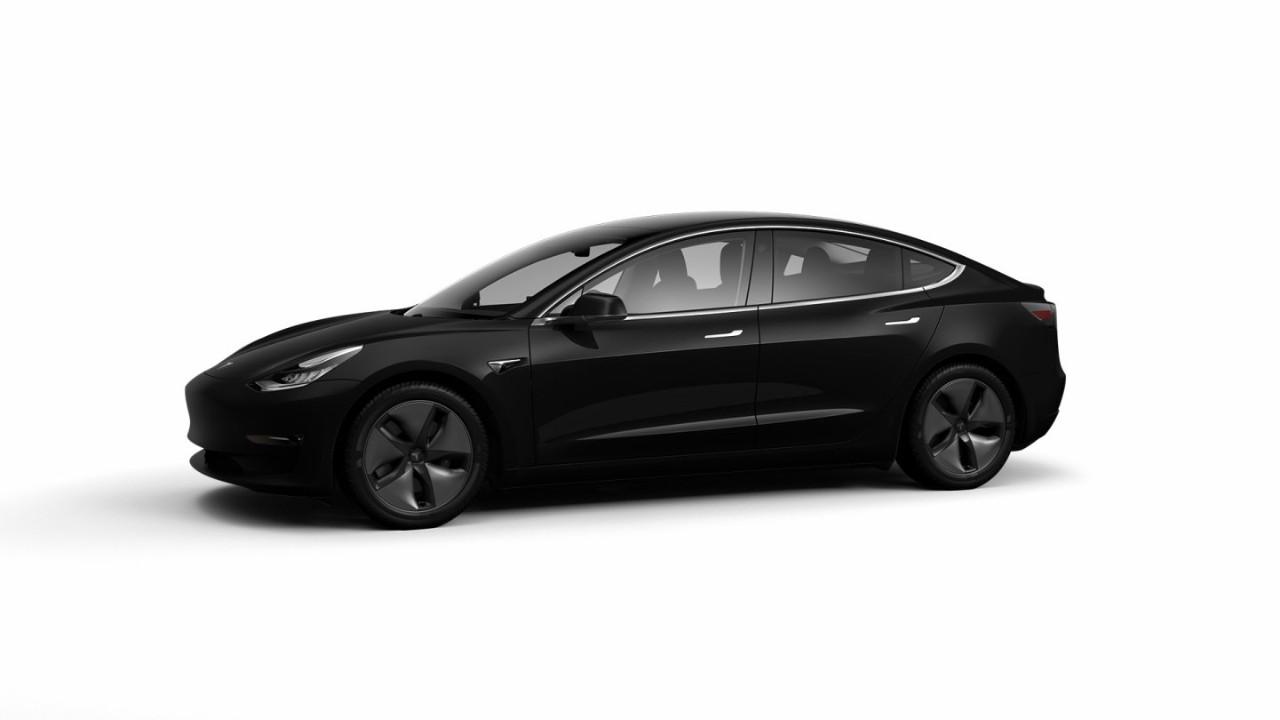 Tesla actualiza el Model 3 con más autonomía, mejores prestaciones y más equipamiento