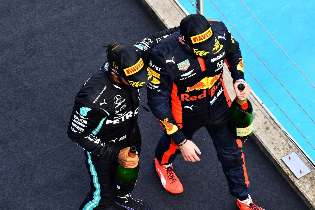 Verstappen se rinde ante Hamilton: «91 victorias, increíble y difícil de superar»