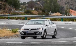 El Volkswagen Virtus es cazado en Europa, ¿qué cambios recibirá este Polo Sedán?