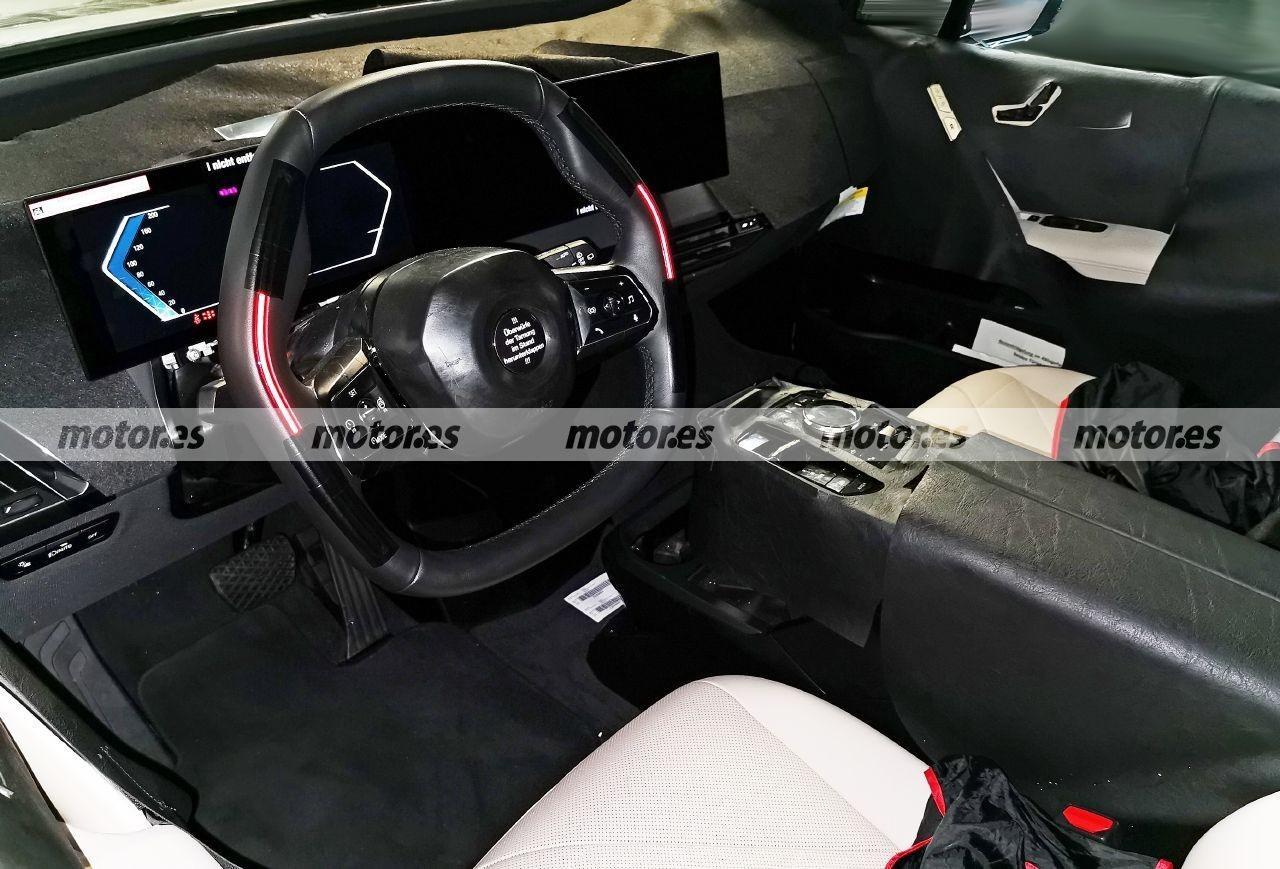 Nuevas fotos espía del BMW iX 2021 revelan el tecnológico interior del SUV eléctrico