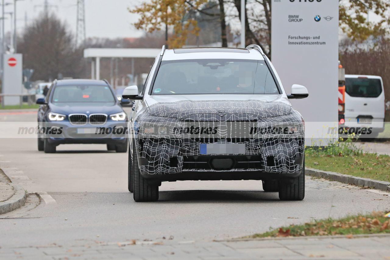 La mula del BMW X8 2022, basada en el X7, cazada en sus primeras pruebas en la calle