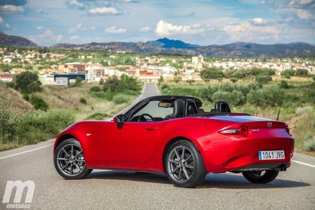 La filtración de un documento oficial apunta que el Mazda MX-5 2022 será híbrido