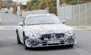 Nuevas fotos espía del Mercedes SL 2021 descubren interesantes detalles en su interior