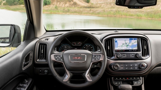 GMC Canyon AT4 Off-Road Performance Edition 2021 - interior
