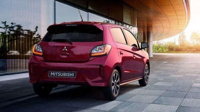 Mitsubishi Space Star - posterior