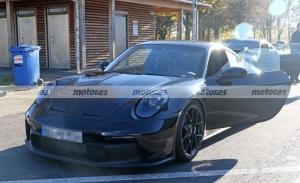 Nuevas fotos espía muestran al Porsche 911 GT3 2021 junto al Cayman GT4 RS