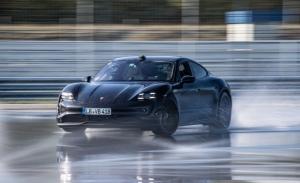 El Porsche Taycan entra en el Guinness Récords con el derrape más largo
