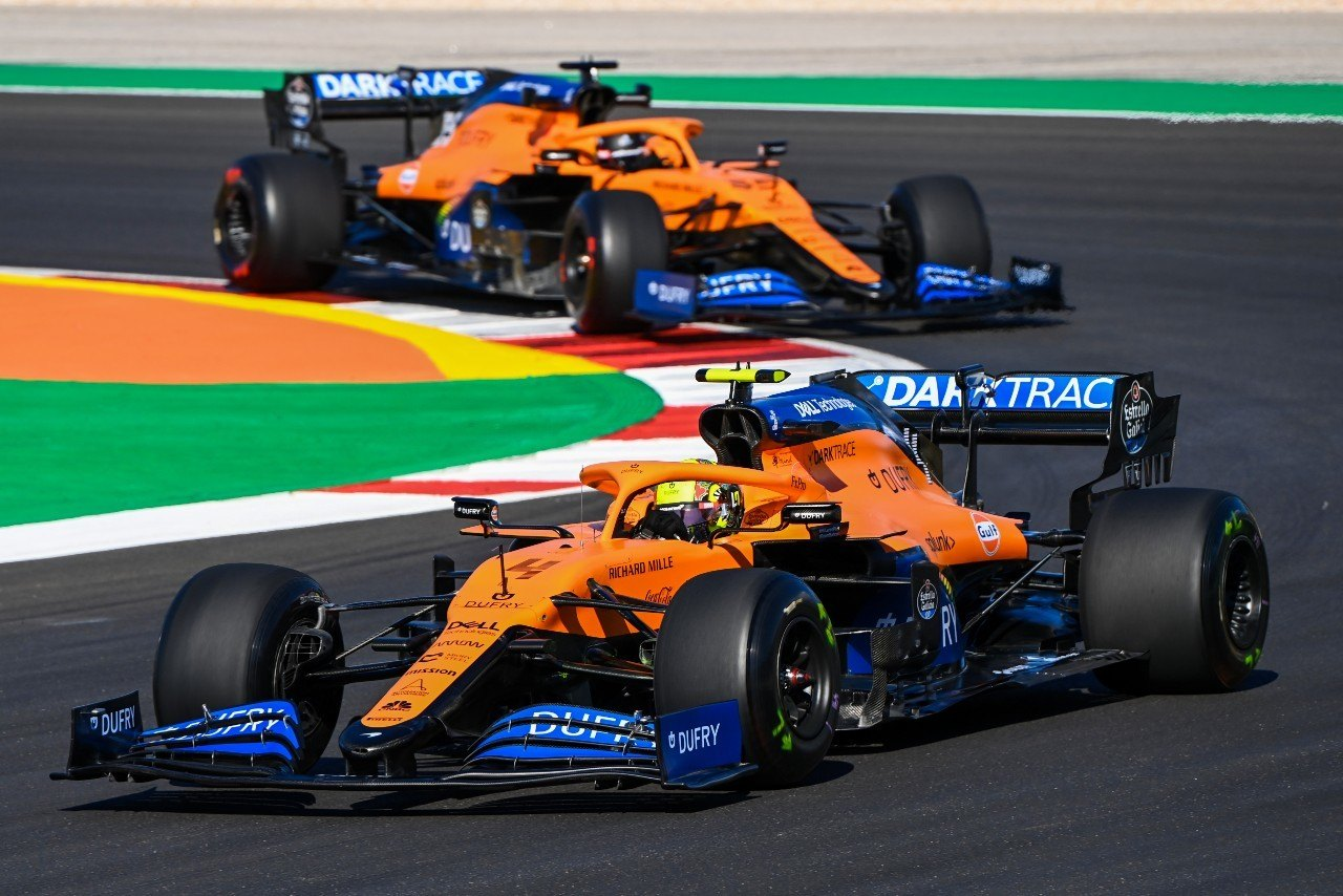 Sainz y Norris, la «gran ventaja» de McLaren frente a Racing Point y Renault