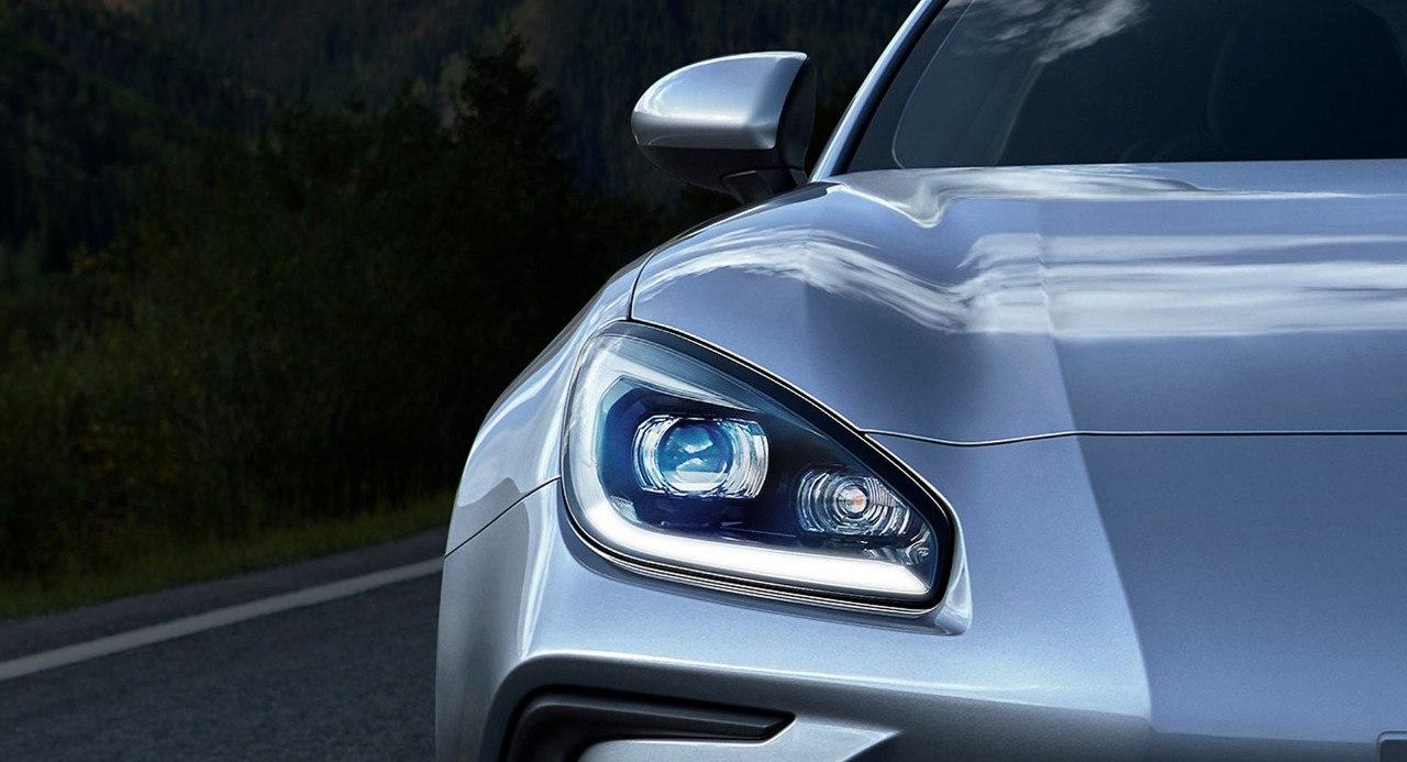 El Subaru BRZ 2022 anuncia su fecha de llegada desvelando parte del frontal