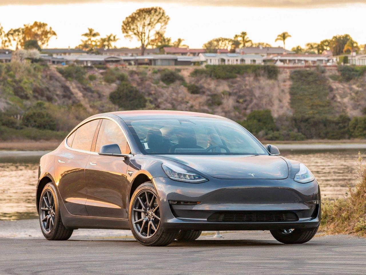 El Tesla Model 3 de 35.000 $ vuelve a ser eliminado de la gama