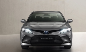 Toyota Camry Hybrid 2021, la berlina nipona para Europa estrena un discreto facelift