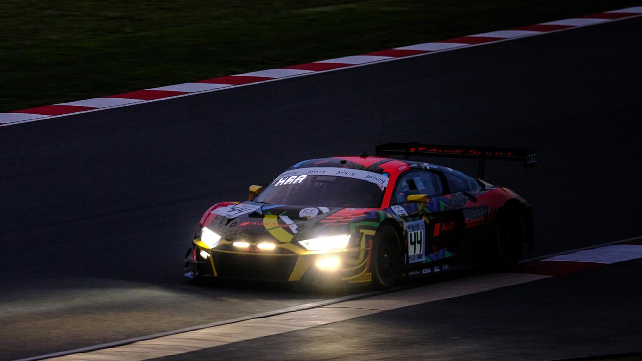 El Audi #44 lidera los libres nocturnos de las 9 Horas de Kyalami