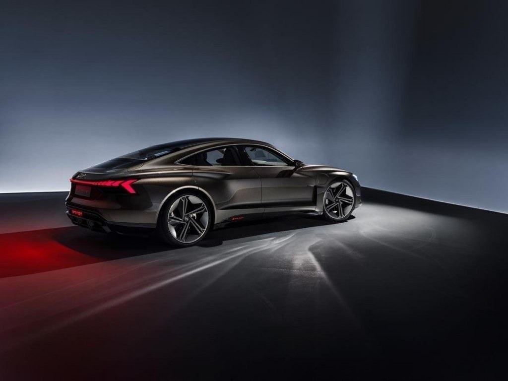 El Audi e-tron GT 2022, ya a la venta en España y con precios en Italia