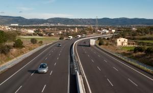 Autopistas en tiempos de COVID-19: vamos más rápido y más distraídos
